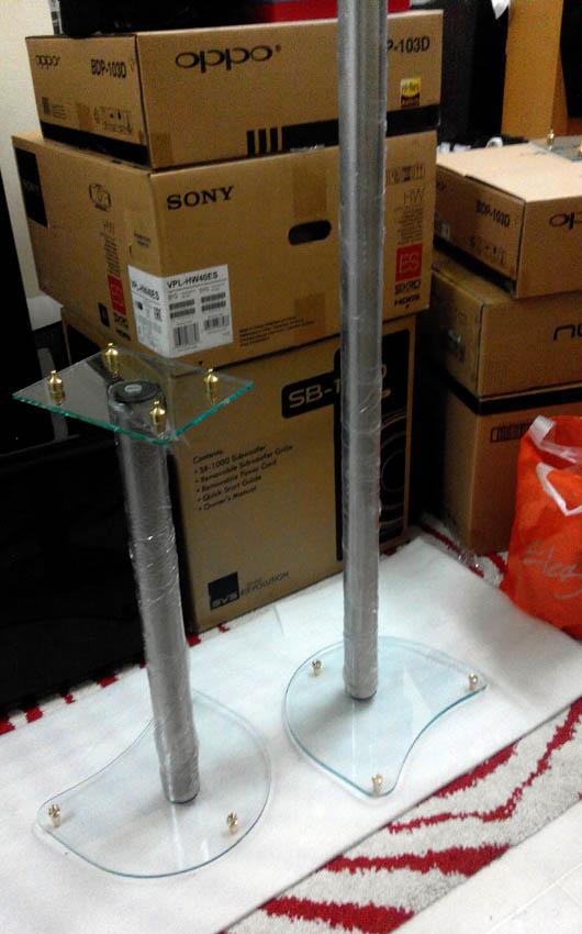Glass stand 3