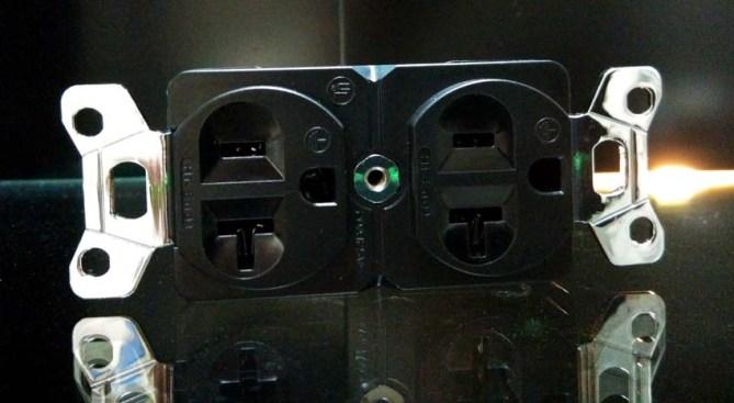 Hi-End high performance US duplex receptacle Iec2