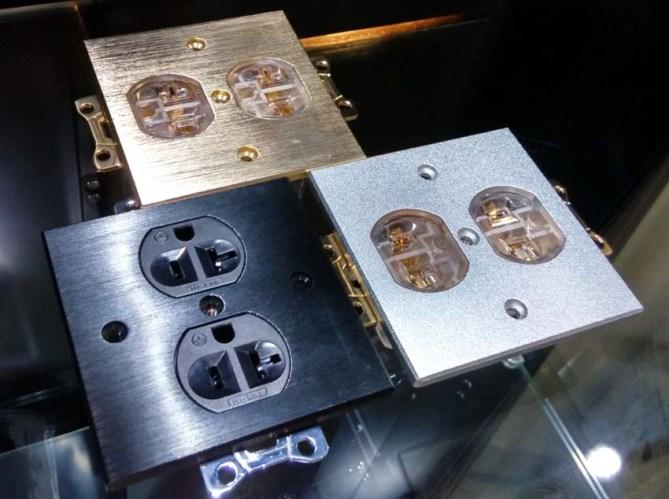 Hi-End high performance US duplex receptacle Iec4