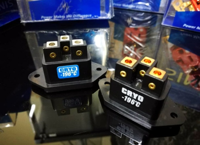 SINE audio-grade IEC Male Connector - CRYOgenic treated, Platinum/Gold-plated Sine8