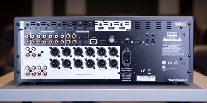 Lexicon MC-10 Immersive Surround Sound AV Processor 11.2 Pre outs, Dirac Live, 5 Years Warranty Hifi-im-hinterhof-berlin-lexicon-mc-10-04-back