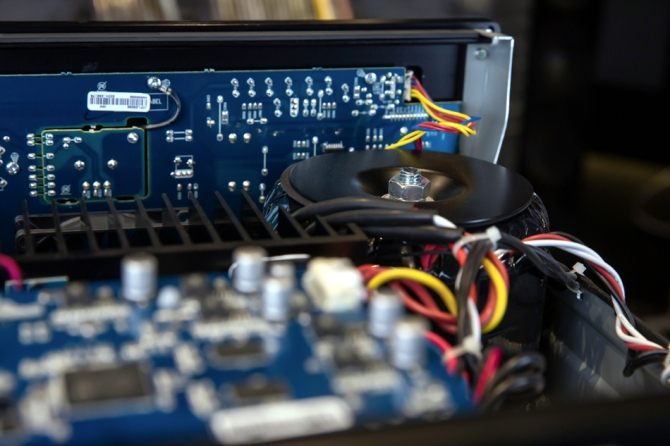 Lexicon RV-9 Immersive Surround Sound AV Receiver, 4K, Class G Hifi-im-hinterhof-berlin-lexicon-rv-6-08-inside
